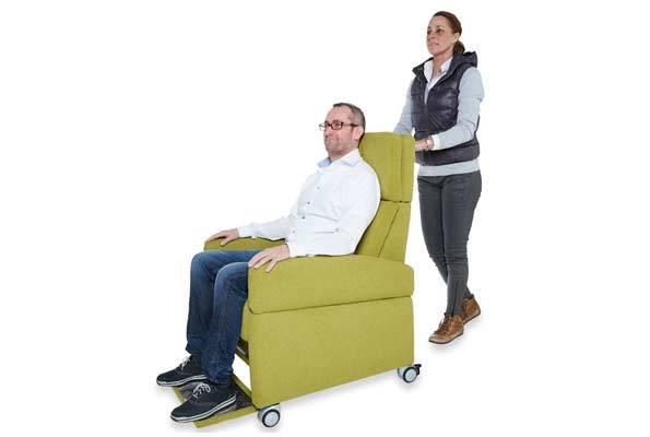 VIANDO+ Pflegesessel mit Rollen für Mobilität