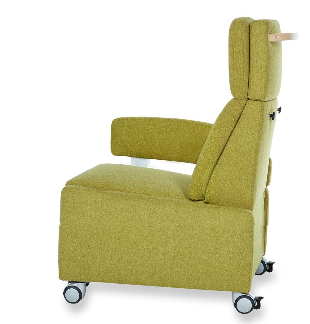 pflegesessel mit rollen eine armlehnen entfernt eine. Black Bedroom Furniture Sets. Home Design Ideas
