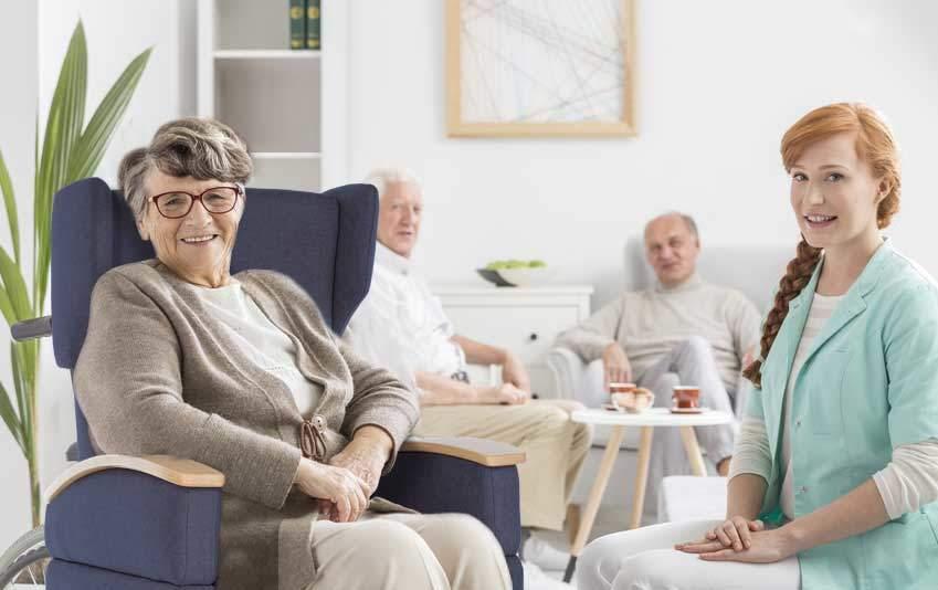 Pflegesessel für Senioren / für das Seniorenheim: Dank der Bodenrollen bleiben Sie innerhalb des Hauses mobil