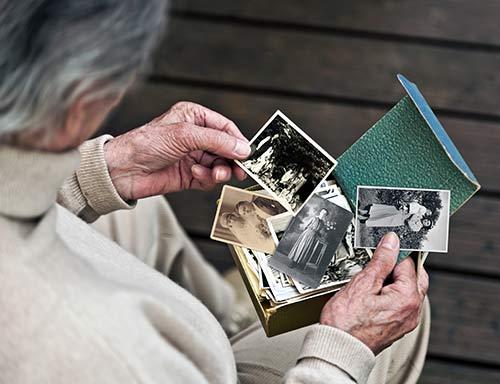 VIANDO+ Pflegesessel als Hilfsmittel bei Alzheimer-Demenz