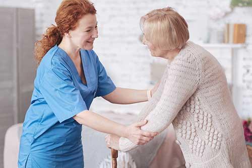 VIANDO+ Pflegesessel als Hilfsmittel bei Muskelschwäche
