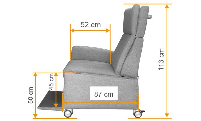 Masse des Pflegesessel VIANDO. Dank der kompakten Bauform ist der Sessel sehr flexibel einsatzbar.