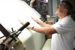 Bezugsmaterialien Textil, Qualitäts-Kontrolle, Eingangskontrolle, Deutsche Markenhersteller für Pflegesessel KRANICHconcept GmbH