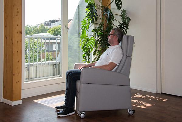 Der Gesundheits-Sessel VIANDOpflege® mit Sitzkomfort für den Aufenthalt über viele Stunden