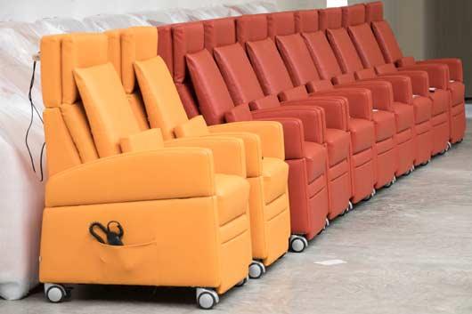Pflegesessel VIANDOpflege® Lager Warenausgang. Lieferung und Versand der Pflegesessel bundesweit, per Spedition / DHL