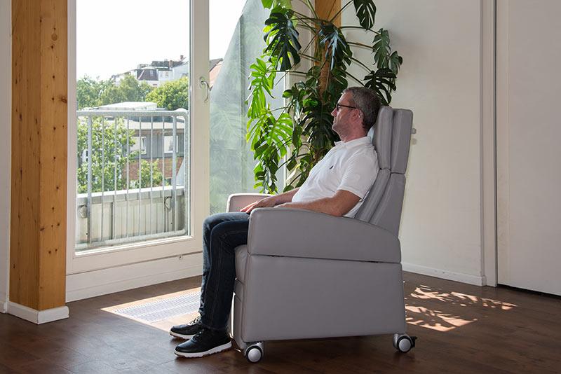 Der Gesundheits-Sessel VIANDOpflege® mit Sitzkomfort für den längeren Aufenthalt über viele Stunden