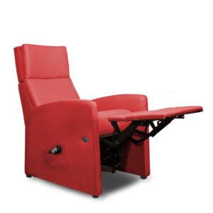 Relaxsessel mit motorischer Aufstehhilfe, Beinauflage und Liegelage / Ruhelage